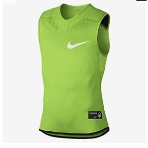 New NIKE mans top
