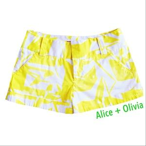 Alice + Olivia Pants - ALICE + OLIVIA YELLOW PRINT CUFFED SHORTS. SIZE 2