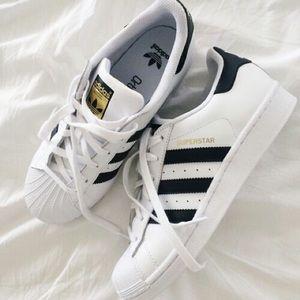 Adidas Shoes - Brand New Adidas Superstar ⭐️
