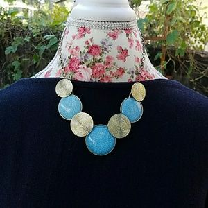 Jewelry - Turquoise blue statement necklace