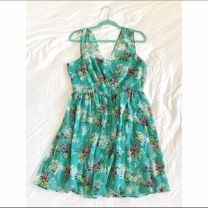 LC Lauren Conrad Dresses & Skirts - LC Lauren Conrad Floral Dress