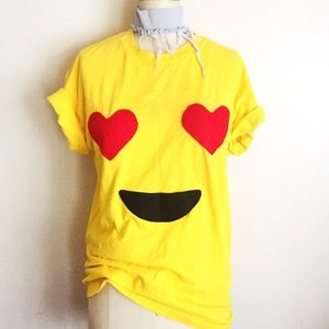Vintage Tops - Emoji happy yellow t-shirt!