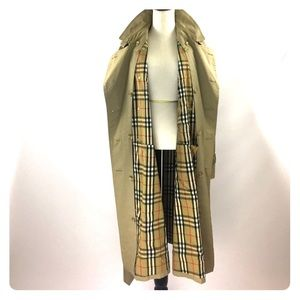 Burberry Jackets & Coats - Vintage Burberrys classic trench coat