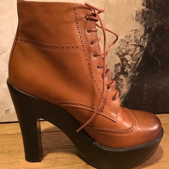 5494c4ee915e ... Ralph Lauren Platform boots. M 58b0e4ca2599feec65004039
