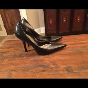 Guess Shoes - Size 7 Guess shoes in great condition!