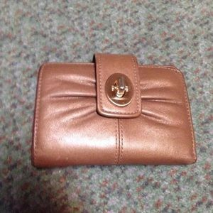 Coach shiny tan leather wallet 5x4
