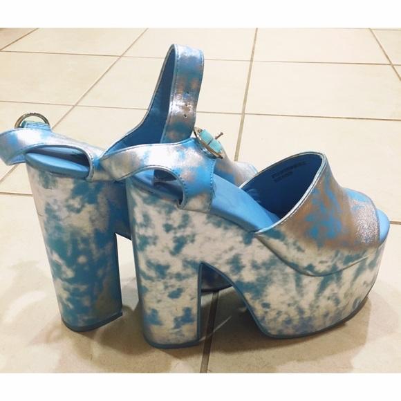YRU Shoes | Yru Daydream Cloud Platform