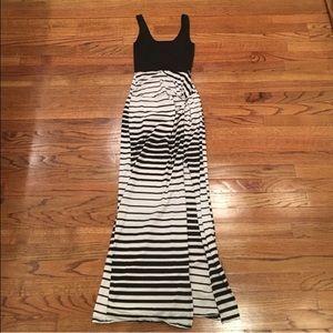 REPOSH XS Charlotte Russe Maxi dress black white