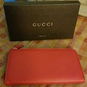 Gucci Pebble Leather Wallet NWT