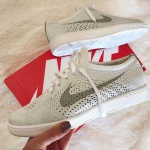 Nike Shoes - NWB 👟 NIKE CLASSIC FLYKNIT WOMENS SIZES