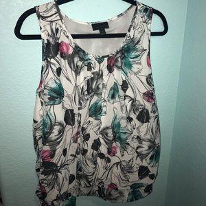 jcpenney Tops - Beautiful flowy flowery blouse