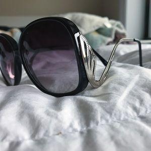 Free People Accessories - Free People Swan Lake Sunglasses