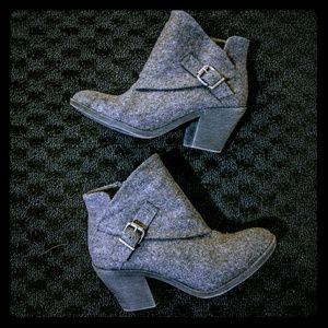 Blowfish Shoes - Blowfish Suba Charcoal Felt Booties