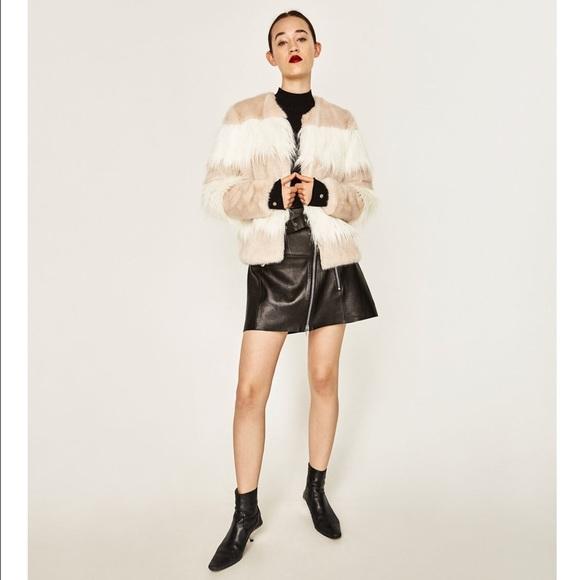 440b5e4f77 Zara contrast white and tan short faux fur coat