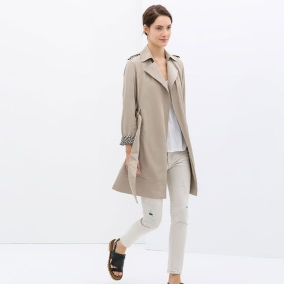 d80b72d51d Zara Flowing Trench Coat