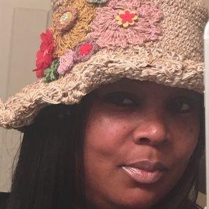 Accessories - Heavy beige wired brim hat w/embroidered designs