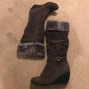 Bumper Shoes - Bumper Faux Fur Wedge Boots 👠