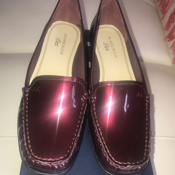 ee73f332b70 ANNE KLEIN WOMANS WINE PATENT LEATHER LOAFER SHOES