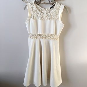 Lulu's Dresses & Skirts - NWOT Lulu's Cream Lace Evening Dress
