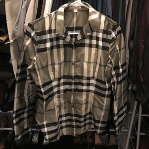 Burberry Tops - Like new long sleeve light weight Burberry top