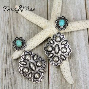 Jewelry - Beautiful western silver and turquoise earrings