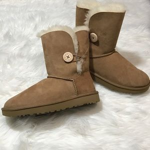 UGG Shoes - UGG Bailey Button II Chestnut Boot 9