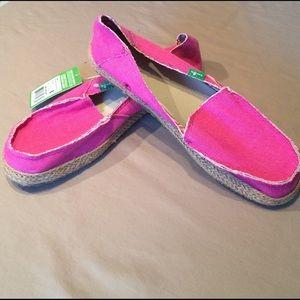 Sanuk Shoes - Sanuk Women's Fiona Flat Berry, 8 M