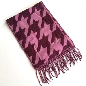 Charming Charlie Accessories - Houndstooth Fringe Scarf