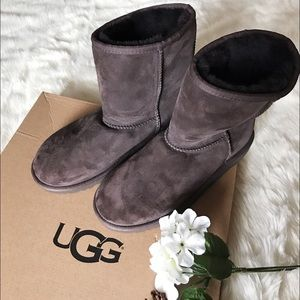 UGG Shoes - NWOB UGG Classic Short Boots