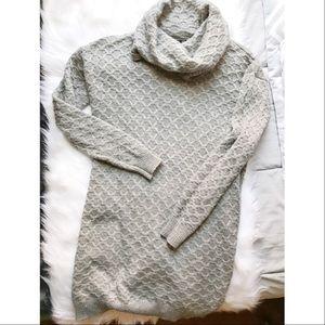 H&M Dresses & Skirts - Sweater Dress/Tunic🎀