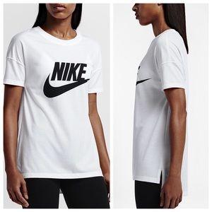 Nike Tops - Nike logo t shirt