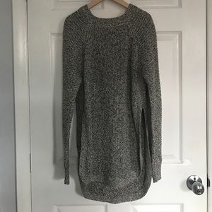 RD Style sweater with side slits. Size Large