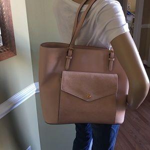 Michael Kors Handbags - Jet set large ballet pink leather tote💗💗