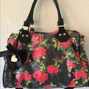 Betsey Johnson Handbags - ❤️BETSEY JOHNSON BLACK FLORAL SEQUIN BAG❤