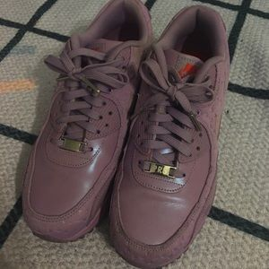 Nike Shoes - NIKE AIR MAX PARIS SZ 9 RARE