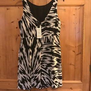 BB Dakota black-white sleeveless dress-new-sz 4