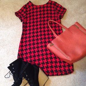 Exhilaration  Dresses & Skirts - Exhilaration houndstooth shift dress