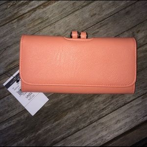 Wilsons Leather Handbags - 💕Reduced 💕NWT Wilsons Leather Wallet