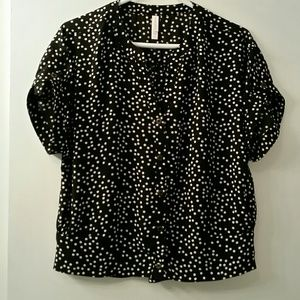 Like new button down blouse