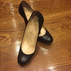 Christian Louboutin Shoes - Christian Louboutin Round Toe Black pump