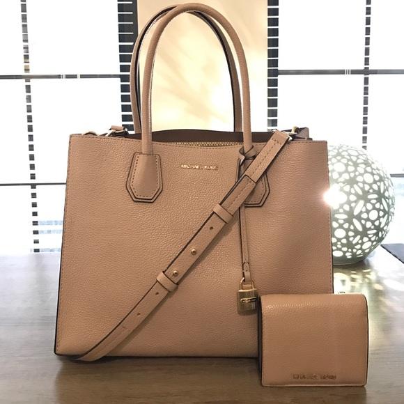 bda3a965c679 Handbags - Michael Kors Mercer Bag