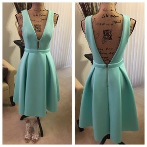 Green dress in scuba fabric from Forever 21.