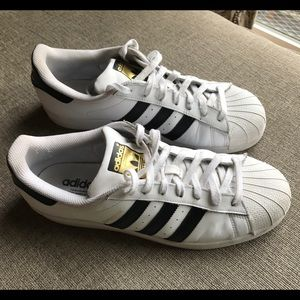 Adidas Shoes - Adidas Superstar Sneaker