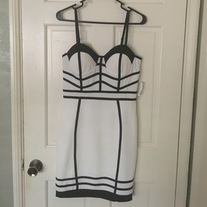 White/BLK dress
