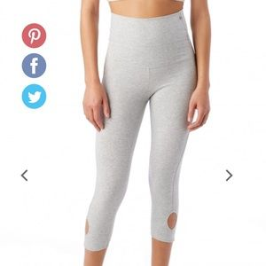 Alternative Apparel Pants - Alternative Apparel Grey cropped workout pants