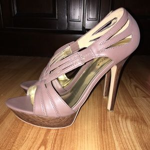 shoedazzle Shoes - 💋sexy stilettos 😍 taupe color