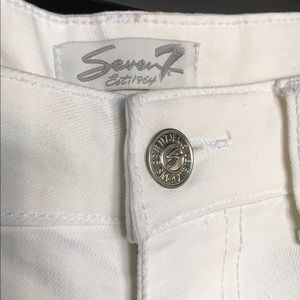 Seven7 Jeans - Seven7 white cropped jeans Embroidered side stripe