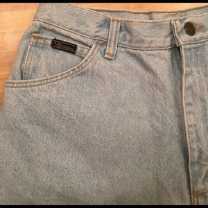 Wrangler Pants - Vintage Mom Jean Shorts!