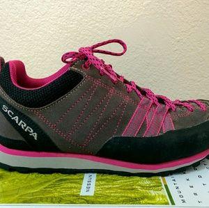 Scarpa Shoes - Scarpa Women's Approach Shoes Midgray/Dahlia