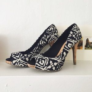 Christian Siriano Shoes - Like new tribal print heels